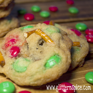 Christmas Chocolate Chip Pretzel Cookies