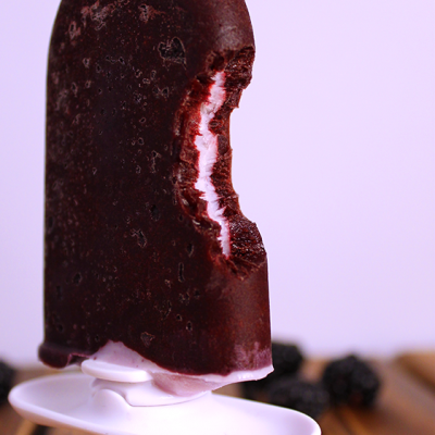 Blackberry Creamsicles – Creamy Blackberry Popsicle Recipe
