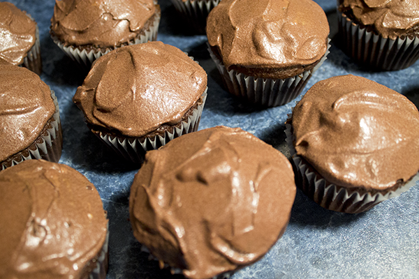 Ice The Cupcakes With Chocolate Frosting