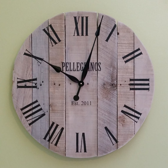 Reclaimed Pallet Wood Clock